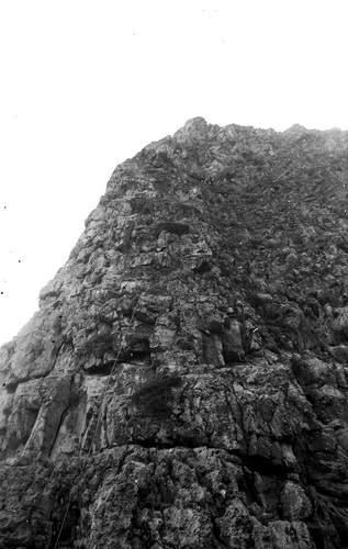 Faraglione di Monte Monaco, Roberto Manfré sulla 1a lunghezza di Pace di Chiostro, 1a asc.