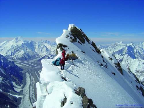 K2, Magic Line, 2a ascensione (Catalani), Oscar Cadiach e Jordi Corominas a 6900 m, campo 2