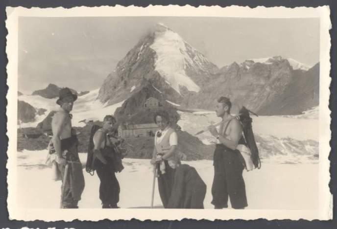 Anni '40 - sul ghiacciaio del Cevedale: Ercole Ruchin Esposito con amici. Archivio Emilio Galli