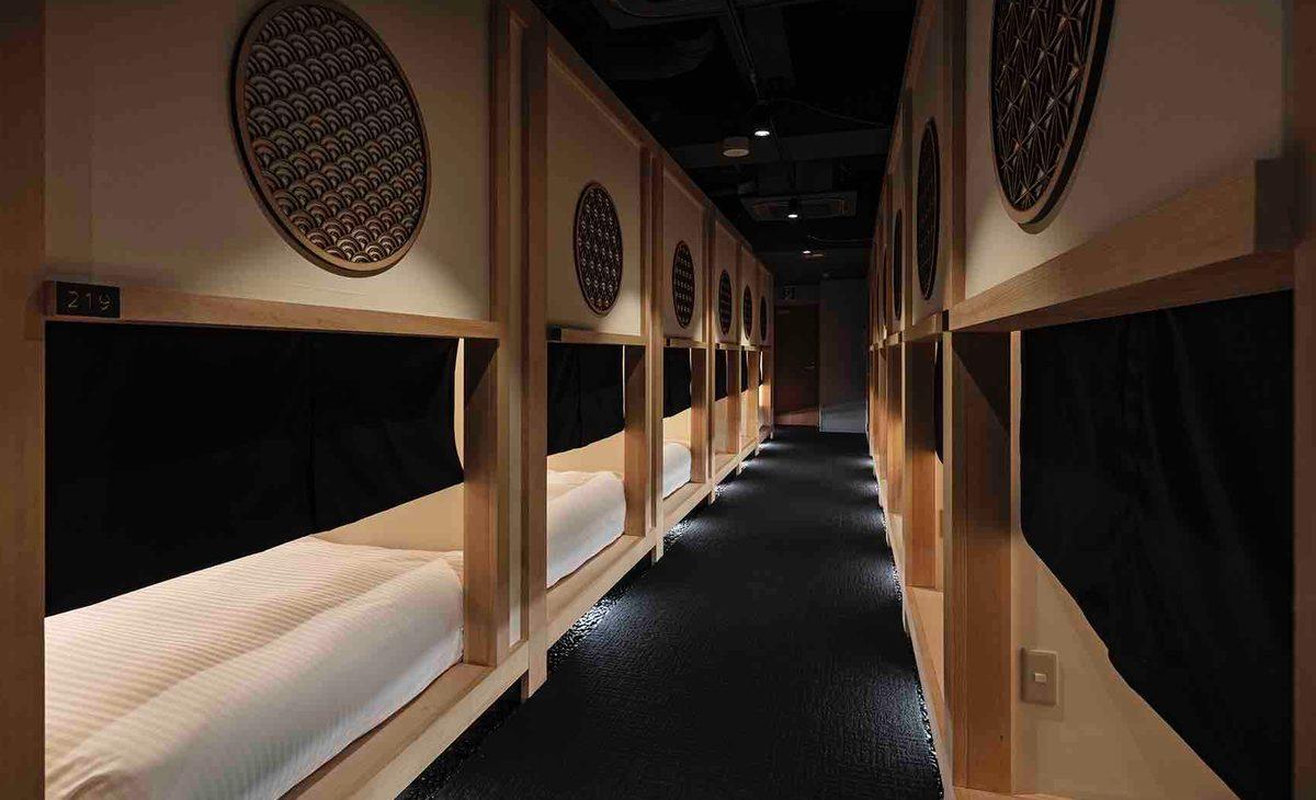 """在日本橋人形町有個以""""住宿型茶室""""為主題的膠囊旅館剛開幕!訂房價格非常親民從6,000日圓起。"""