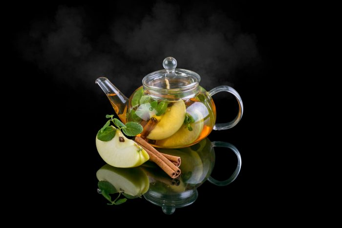 Idea for black tea with apple and cinnamon