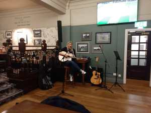 Travellers Tunes, Leeds' most fun Open Mic night
