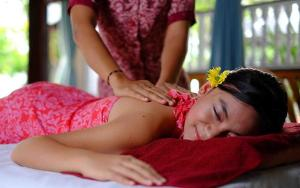 Yoga & Traditional Massage