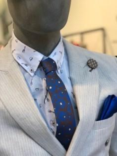 Cravatta e camicia a fantasia ... non facile da realizzare!