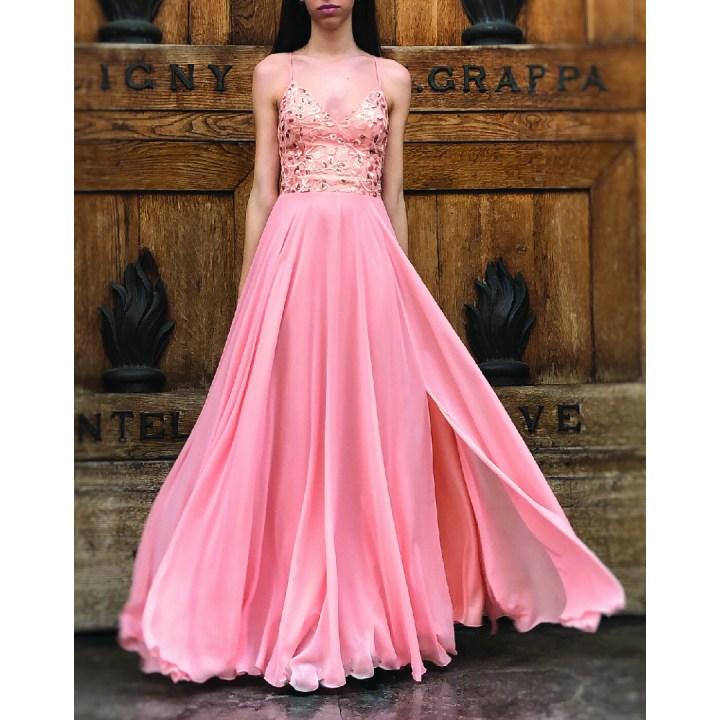 Cerimonia? Evita gli errori  nella scelta del tuo vestito lungo elegante.
