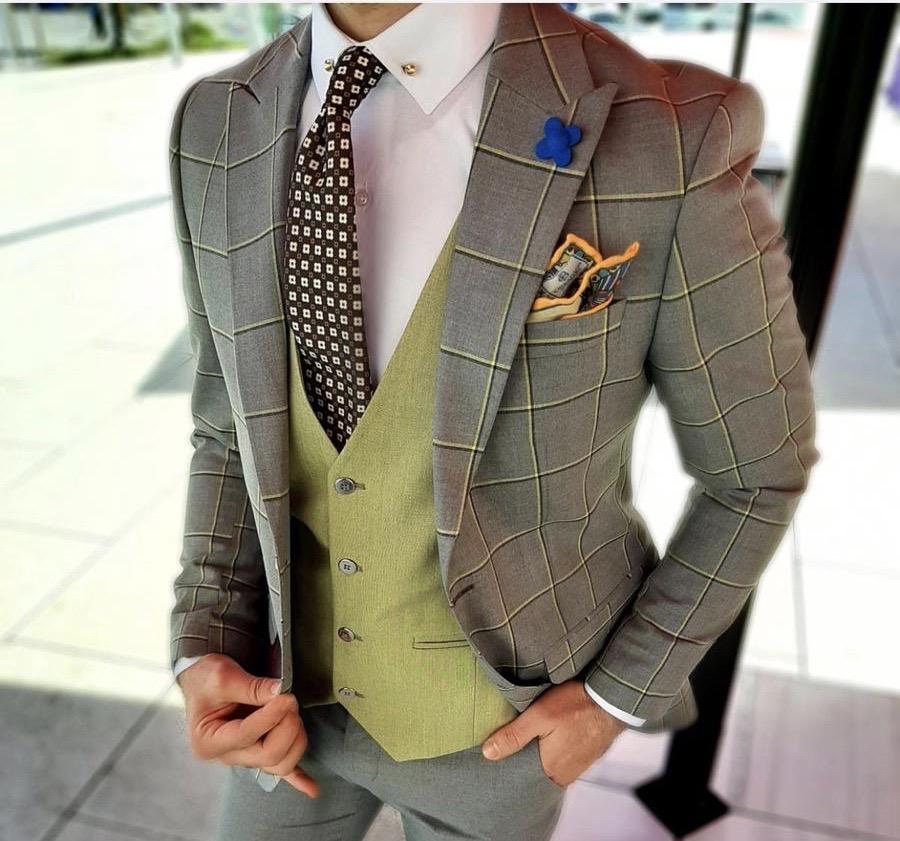 Gilet abbinato coloristicamente alla giacca - gogolfun.it
