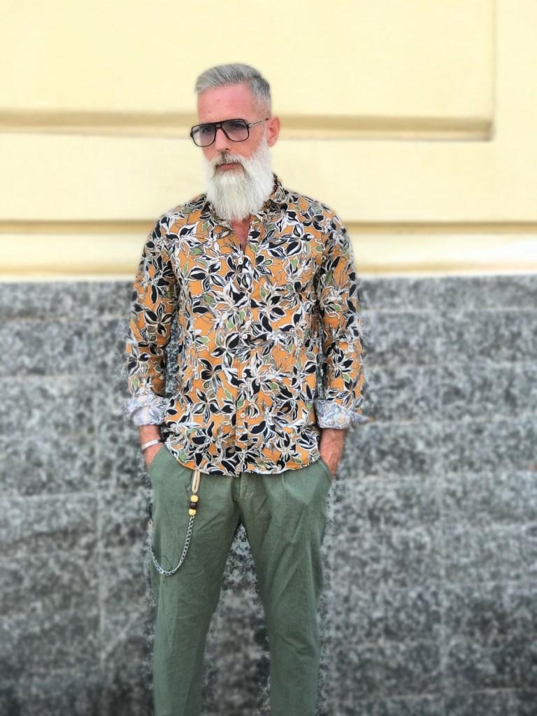 Camicia uomo, slim in lino... floreale