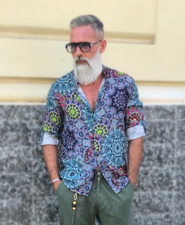 Camicia uomo, dal gusto Hippie