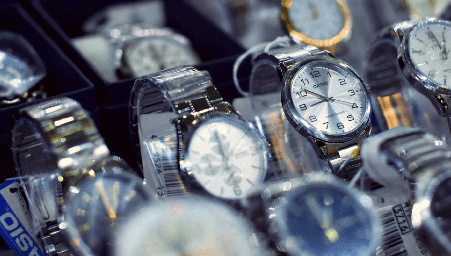 5 BEST AFFORDABLE WATCH BRANDS YOU CAN'T MISS.