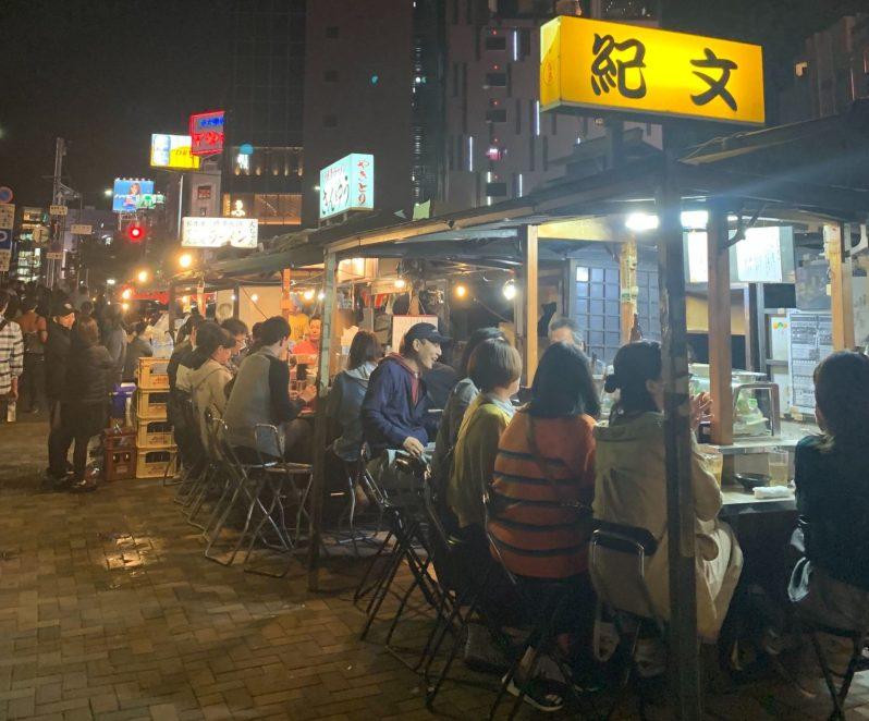 stands de nourriture de rue yatai Fukuoka