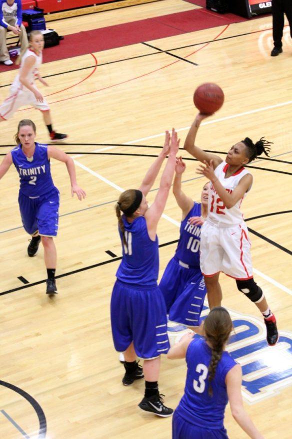 Dawson Community College Women's Basketball Ty Richardson Runner. Feb. 17, 2015. Copyright Go Gonzo Journal.