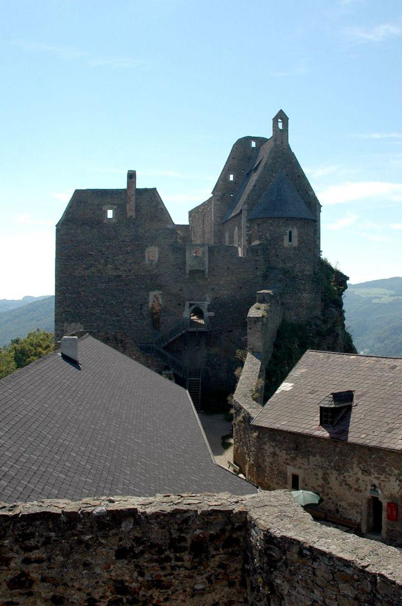 Агщайн, замъци
