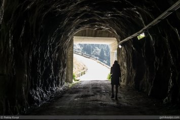Hike starts in a tunnel...