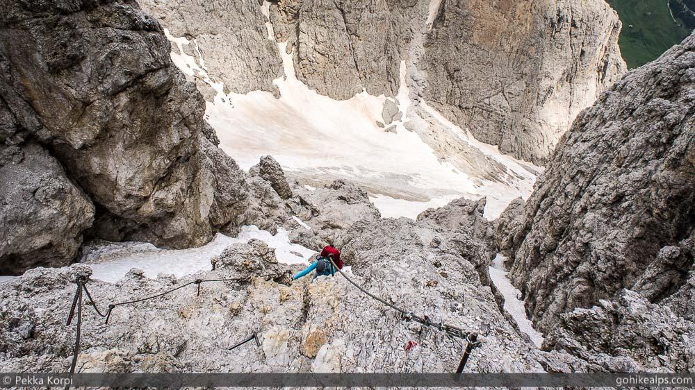 Climbing up to Rifugio Pisciado