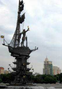 The not-beloved Peter the Great statue stands right in the Moscow River.