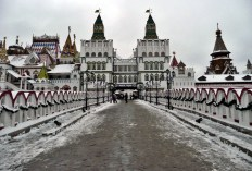Welcome to the Izmailovo Kremlin