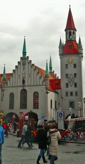 Munich Marienplatz too