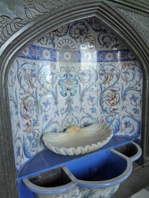 Vorontsovsky Palace interior - champagne cooler
