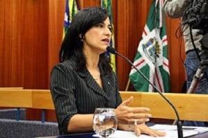 Célia Valadão (PMDB), líder do prefeito na Câmara: porta-voz da ameaça