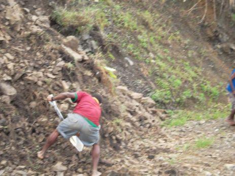TSHHS Students Help - Goilala Highway (12)