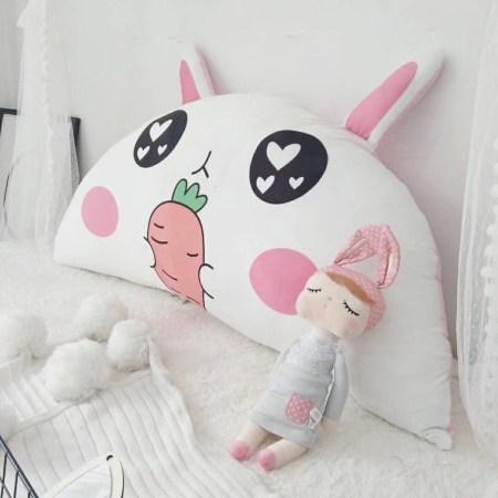 Gối tựa đầu giường hình thỏ con