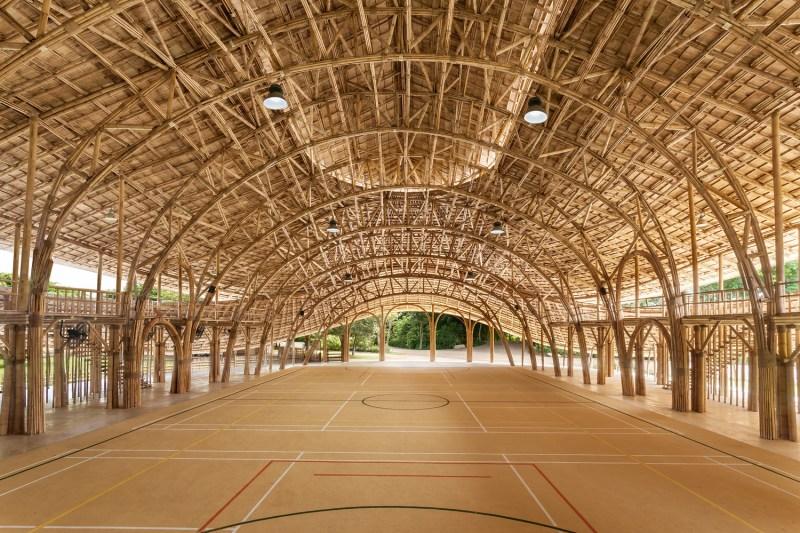 Além da sua resistência e força, os projetos arquitetônicos feitos de bambum chamam a atenção por sua beleza estética