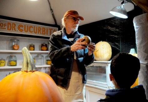 Vernon Ford demonstrates pumpkin carving at Blaze at Van Cortlandt Manor © 2016 Karen Rubin/goingplacesfarandnear.com