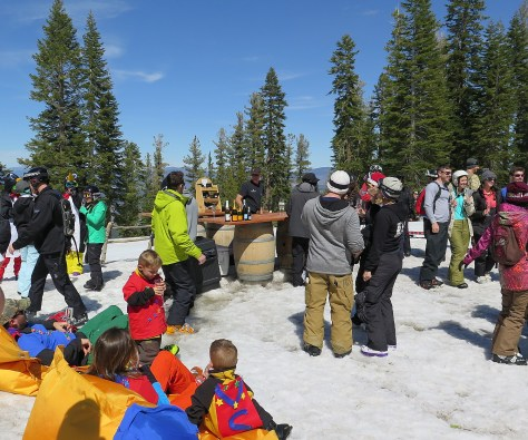 Enjoying Tost, the 2 pm champagne toast ritual at Northstar California © 2016 Karen Rubin/goingplacesfarandnear.com