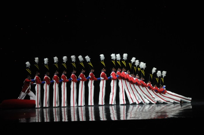 Radio City's world-famous Rockettes put on their iconic Christmas show © 2016 Karen Rubin/goingplacesfarandnear.com