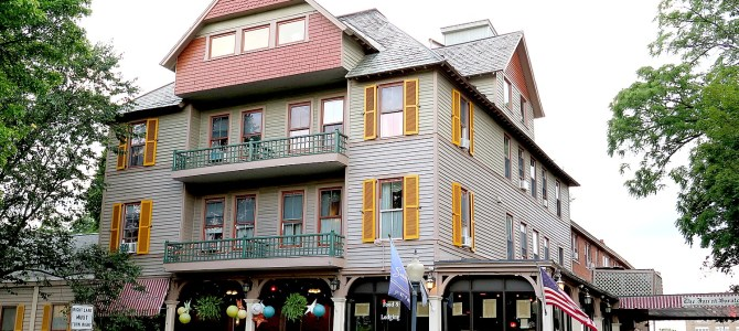 Historic Inn at Saratoga Captures Sense of Place, Gracious Victorian Style