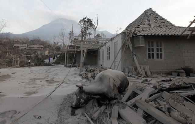 dampak negatif gunung meletus