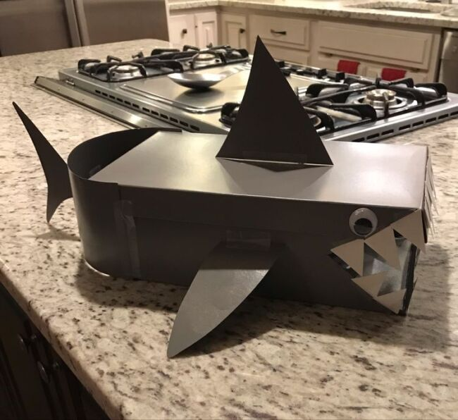 Shark o Mail valentine day's box