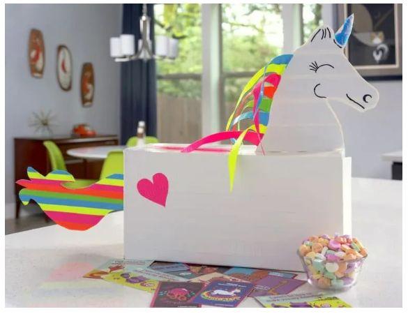The unicorn valentine day's box