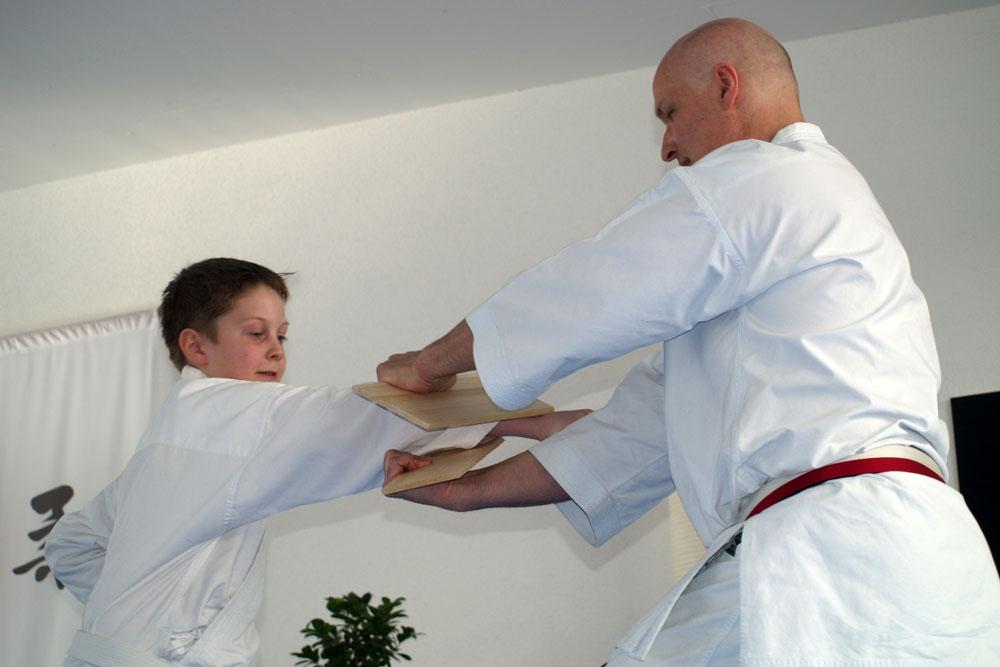 karatedemo-austellung-maerz-09