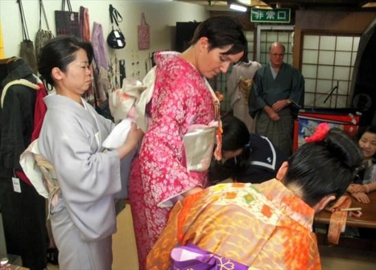 Kimono dressing 2
