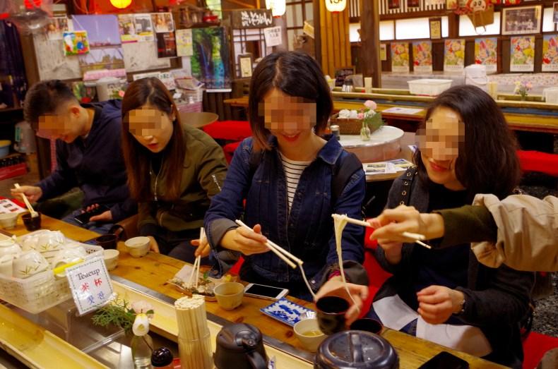 NAgashi soumen, cold noodles at Takachiho gorge