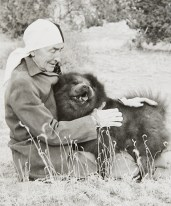 Georgia O'Keeffe and Chow, undated Unidentified photographer Black and white photograph 5 ½ x 4 1/2 in. 2014.03.206