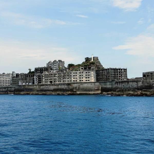 A boat trip to Gunkanjima, the James Bond island