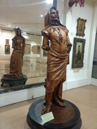 Double Statue - Mephistopheles in front and Margaretta at the back