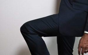スーツのストレッチ性2