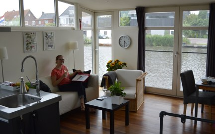 Our houseboat apartment!