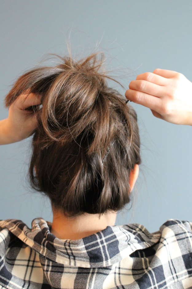 How To Create A Casual Messy Bun Gold Coast Girl