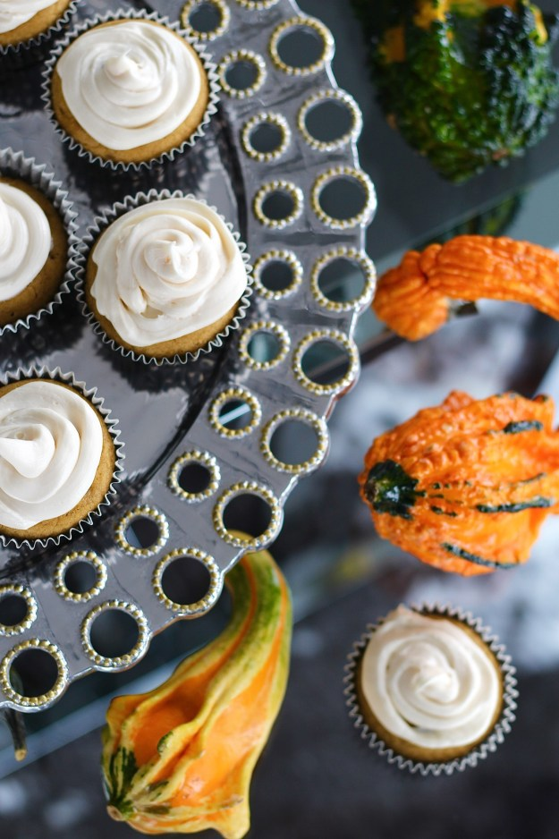 pumpkin-cupcake-with-cream-cheese-frosting-recipe-10