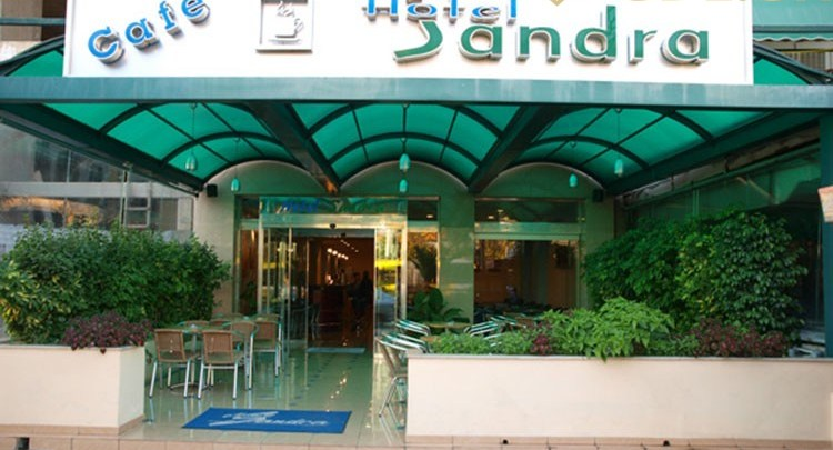 sandra-hotel-xxx
