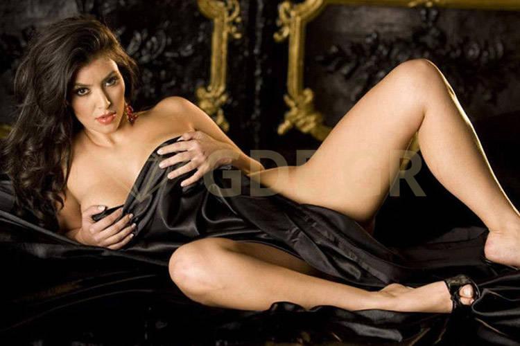 όμορφες νέες γυμνές φωτογραφίες σφιχτό κώλο μεγάλο καβλί