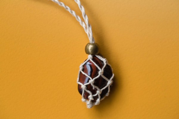 Tiger's Eye Macrame Necklace | Golden Blue