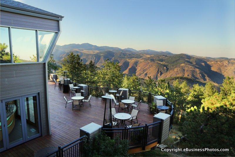 Welcome to Comfort Suites Golden West Evergreen Hotel