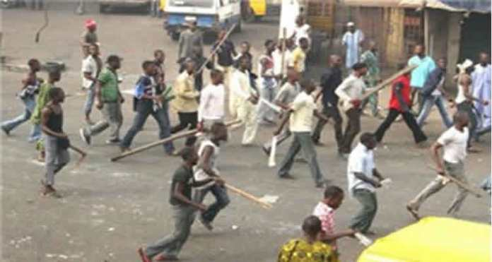 Insecurity in Edo : Market Traders, Professor Robbed As Benin Residents Await 5 Units Of IGP Mobile Police Force