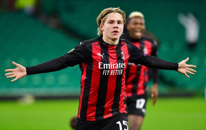 AC Milan receive 2 bids for Hauge   AC Milan News