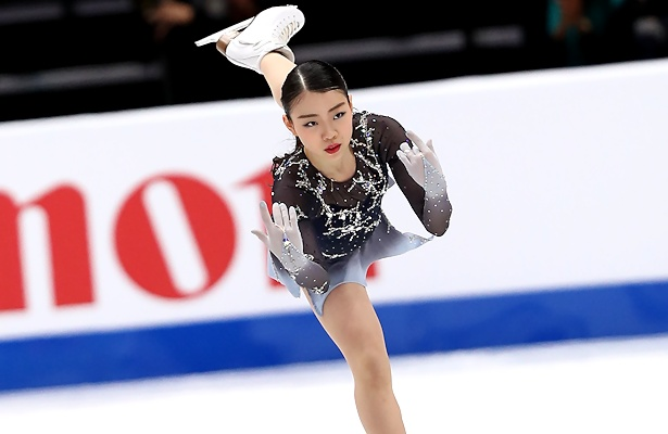 Free Falling In Love Wallpaper Kihira Captures Gold In Anaheim In Debut At Four